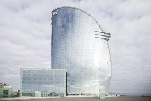 deca group deca hotel w hotel wela hotel vela barcelona fachada construcción obras vidrio aluminio barandillas _MG_1822